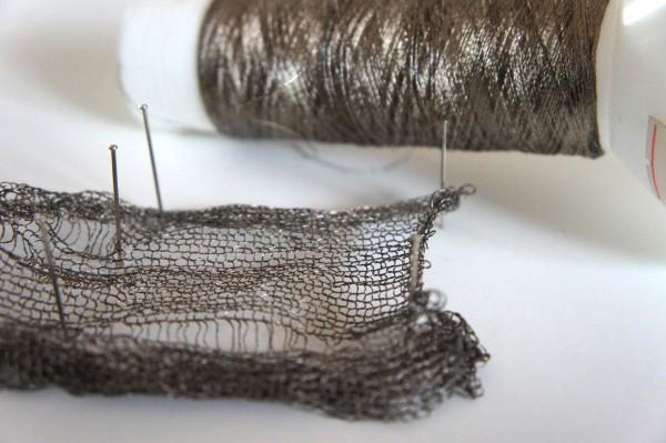 電導糸でニット編んでみた